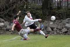 Ryan Holms forced to take up a deep position to win possession for Bankies (Stevie Doogan) Tags: park west scotland scottish first super juniors division league holm clydebank bole maybole bankies mcbookiecom