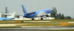 Thomson G-OBYG  _MG_1838 (M0JRA) Tags: manchester flying airport aircraft jets thomson planes gobyg