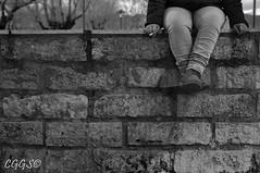 (@cristina.sulfur on Instagram) Tags: blackandwhite bw españa muro byn blancoynegro wall person persona photography spain nikon alone loneliness photographer solo lonely soledad sola fotografo fotografa fotografía airelibre monocromático d90 cggs nikond90