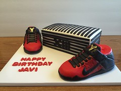 Kobe XI Birthday Cake (dms81) Tags: birthday red black basketball cake shoe shoes box 11 sneakers kobe bryant eleven shoebox xi fondant mmf rkt krispietreats