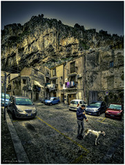 Cefal (Luc V. de Zeeuw) Tags: houses italy dog mountain man car facade rocks laundry sicilia cefal