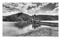 Château de la roche saint-Priest-la-Roche (JG Photographies) Tags: france french europe lac paysage loire château roanne féodal hdrenfrancais lacdevillerest saintpriestlaroche canon7dmarkii jgphotographies