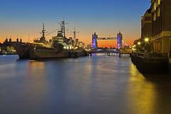 Alzati Londra! / Wake up London! (Tower bridge, London, United Kingdom) (AndreaPucci) Tags: uk london thames towerbridge sunrise hmsbelfast toweroflondon canoneos60 andreapucci