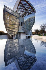 Louis Vuitton Foundation (Eric Cooper 1) Tags: paris reflection museum louisvuitton