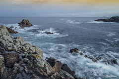 Peascos en el mar (lourdestorreira) Tags: costa mar paisaje galicia cielo turismo rocas tierra acorua ocano martimo acantilados