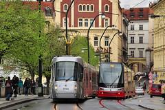 koda 14T #9144 DP Praha Praga Prag (3x105Na) Tags: tram prag praha praga tschechien dp strassenbahn tramvaj tramwaj czechy koda eskrepublika 9144 14t