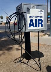 f_selfservAIR2 (ricksoloway) Tags: cameraphone signs streetphotography machines signlanguage americanwest tucsonarizona samsungs6 nofreeair