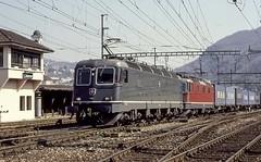 FFS Re 6/6 11658 e Re 4/4 II Chiasso 1999 (stefano.trionfini) Tags: train ticino suisse zug sbb svizzera bahn ffs treni re44 re66
