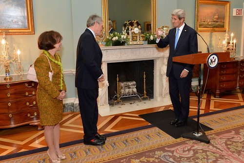 Secretary Kerry Toasts U.K. Ambassador to the U.S. Westmacott at a Farewell Reception in the Ambassador's Honor