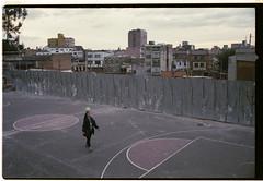 Bogot. Mi amor indgena. (Javi.H) Tags: film colombia bogota kodak bogot 400 pelicula konica portra hexar analogic javiersuarezes
