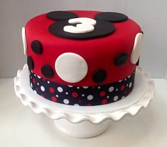 Mickey Mouse cake by Gayle, Northern Utah, www.birthdaycakes4free.com