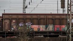 0338_2006_03_05_Wanne_Eickel_Hbbillns_Graffiti (ruhrpott.sprinter) Tags: railroad eh train germany logo deutschland graffiti diesel 628 outdoor natur eisenbahn rail zug cargo 64 smiley passenger es fret ruhr ruhrgebiet f4 freight locomotives metropole 928 189 543 lokomotive 295 1275 dinslaken sprinter ruhrpott gter ctd rof kobras 6186 boeg dispo vtg thyssenkrupp 1266 6185 6189 mrce lte 0185 reisezug txla dispolok 4485 ellok blsc tagnpps recklinghausenost