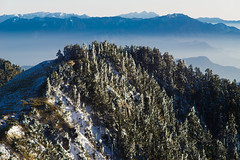 -22 (billlushana1) Tags: sunset mountain snow rock landscape minolta outdoor sony taiwan  peaks  taroko hualien  tarokonationalpark  superwide hehuanshan minoltamd  mountain 14 100peaksoftaiwan minoltamc135mmf28 taiwantop100peaks sonya7r
