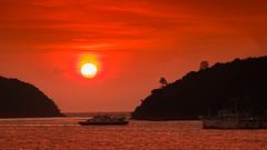 Sunset (Massimo Buccolieri) Tags: ocean sunset seascape marina zonsondergang tramonto sonnenuntergang prdosol marinha solnedgang solnedgng coucherdusoleil  lapuestadelsol  paesaggiomarino paysagemarin seestck  marinmlning  marinemaleri solisoccasum