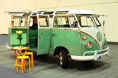 Volkswagen Samba Bus T1 split screen I 1963-1967 (Transaxle (alias Toprope)) Tags: motorklassikclub berlin classicberlin fair exhibition expocenter radiotower charlottenburg motor motorklassik auto autos antique beauty bella beautiful bellamacchina car cars coche coches classic classics carro carros classiccar classiccars clasico clasicos d90 design historic historiccar historiccars iconic kraftfahrzeuge kraftwagen klassik macchina macchine nikon nikkor oldtimer old oldtimers power retro soul styling show voiture vintage voitures veteran veterans vintagecar vintagecars vehicle wheels wheel السيارات 車 25favs 15favs 10favs 8favs 20favs motorama motoriginal 30favs 35favs