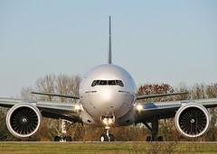 A6-EGX (AnDrEwMHoLdEn) Tags: manchester airport emirates 777 manchesterairport egcc 05l