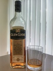 Glen Glyde , 12 yo (m_y_eda) Tags: bottle blended whisky scotch garrafa flasche botella bouteille bottiglia 12yo butelka  blendedscotchwhisky  yotaphone