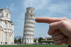 Pisa (I) (jr-teams.com - Photo) Tags: world italien italy tower heritage monument architecture nikon italia outdoor finger unesco pisa tuscany historical push nikkor toscana leaning leaningtower afs weltkulturerbe pushing toskana schieferturm 24120 d700 424120vrii