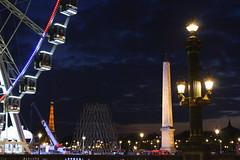 Paris - Ville de Lumires (D. [SansPretentionAucune] ()  ) Tags: paris france seine night canon eos toureiffel concorde nuit lumires roue peniche 500d