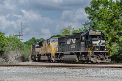 NS 2569 (gameover340) Tags: railroad up train louisiana tracks freight manifest sd70 sd70m emds sd60e mnsew updequincysubdivision