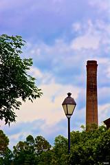 Companeras (Blas Torillo) Tags: chimney lamp mxico clouds mexico nikon streetlamp streetphotography nubes puebla lmpara chimenea professionalphotography metepec fotografaenlacalle fotografaprofesional mexicanphotographers d5200 fotgrafosmexicanos nikond5200