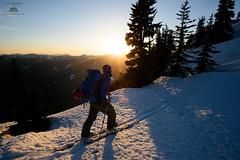 _XYZ6627 (Jason Hummel Photography) Tags: sunset snowboarding skiing backcountry boarding poets cascademountains backcountrysnowboarding splitboarding benstarkey poepeak