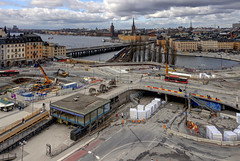 Under Construction (Ana >>> f o t o g r a f  a s) Tags: europa europe sweden stockholm schweden slussen sverige scandinavia sthlm hdr estocolmo stoccolma suecia fused katarinahissen gondolen photomatix escandinavia geo:country=sweden geo:region=europe potd:country=es hdrworldsweden