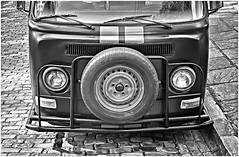 Volky (Black and White Fine Art) Tags: leica bw volkswagen oldsanjuan puertorico bn cobblestones sanjuan aviary viejosanjuan adoquines lightroom kodaktrix400 volky epsonperfectionv500scanner niksilverefexpro2 leicalllf1951 summitar50mmf201951