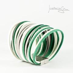 Pulsera DIY (Natalia Garca Nebot) Tags: diy hilo bracelete lightbox pulsera ante paracord