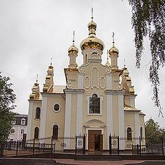 Храм свт.Феодосия Черниговского (Львовская площадь)