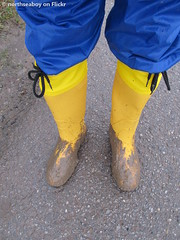 Yellow and blue (northseaboy) Tags: schnee green rain stream wasser rubber nora gelb gloves anton hunter wellingtonboots grn wellies wald regen waders rubberboots rainwear gummistiefel wellingtons overall schlamm handschuhe regenjacke gummihandschuhe rainpants arbeitskleidung regenhose regnty gayrubber watstiefel gummistvlar regenzeug anglerstiefel wathose regensachen hftstiefel