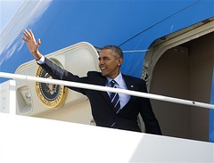 Obama destaca beneficios de estmulo econmico (Tu Nexo De) Tags: usa md andrewsairforcebase