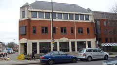 Pomo in Regent's Park Road, Finchley (lucyrfisher) Tags: pomo