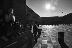 Place Saint Marc (Herv KERNEIS) Tags: blackandwhite bw italy sun soleil noiretblanc nb monochrom venise venezia italie contrejour placestmarc nikond700 tamron2470mmf28 mars2016