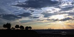 (089/16) Un lugar para relajarse (Pablo Arias) Tags: madrid espaa photoshop spain arquitectura cielo nubes puestadesol ocaso hdr texturas rayosdesol comunidaddemadrid photomatix nx2 lascuatrotorres paracuellosdejarama pabloarias