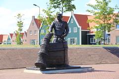 Marinapark Volendam, Netherlands (C. Bien) Tags: sculpture water netherlands artwork nederland volendam noordholland kunstwerk marinapark northholland gouwzee marinaparkvolendam
