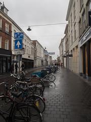 Den Bosch, Verwerstraat (Jeroen Hillenga) Tags: street city netherlands cityscape nederland denbosch brabant fietsen stad shertogenbosch bycicles straat