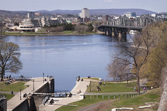 The RIdeau canald and the Ottawa river (le calmar) Tags: ontario canada slr skyline museum canon river reflex spring ottawa capital may rivire mai capitale printemps ottawariver highrises easternontario 2015 capitalcity outaouais 50d riviresdesoutaouais canadianhistorymuseum musedelhistoire musecanadiendelhistoire