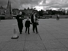 Broody city skyline ... (vmanseventy) Tags: blackandwhite scotland nikon edinburghcastle princesstreet royalmile mound highstreet ricohgr nationalgalleryofscotland rsa stgiles waverley decisivemoment ramsaygarden filmphotography nikonf65 rosestreet georgeivbridge sirwalterscottmonument streetcandid 50mmlens edinburghinternationalfestival westprincesstreetgardens tripuk eastprincesstreetgardens peoplephotos playfairsteps lefteyed edinburghstreetphotography fujixpro1 moundsquare olympusbodycaplens fujix100s panasonic20mm17ii robertbmcneill ricohgrd1v panasoniclumixgm11232mmlens fuji27mmlens fuji18mmf2lens scottishstreetphotography