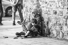 Romulus et Remus (Edson Viana Moura) Tags: poverty child homeless morroco marrakesh peopleonthestreets