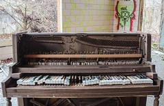 (Fatigued_23) Tags: abandoned decay piano asylum dilapidation abandonment dilapidated mentalinstitute
