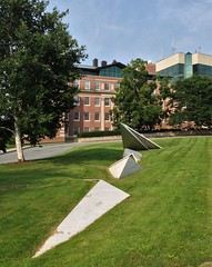 Thel (ArtFan70) Tags: sculpture usa art college america pepper unitedstates newengland newhampshire nh wheeler hanover dartmouth ivyleague thel beverlypepper dartmouthcollege wheelerhall