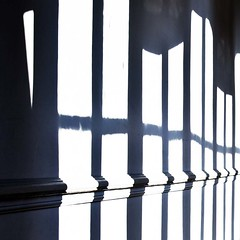 Corridor (Gerard Hermand) Tags: light france wall museum canon dijon lumire muse ombre shade mur magnin eos5dmarkii formatpaysage gerardhermand 1203138309