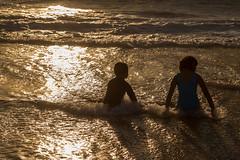 Manhattan Beach Pier -21   9921 (Katbor) Tags: manhattanbeach manhattanpier kidsinwater