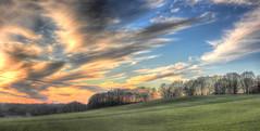 Zonsondergang Limburgs heuvelland  --HDR-- (Frank Berbers) Tags: sunset sky panorama clouds landscape zonsondergang sonnenuntergang himmel wolken nuages paysage landschaft hdr highdynamicrange landschap coucherdusoleil zuidlimburg leciel panoramicphotography panoramabild limburgslandschap panoramafotografie photographiepanoramique imagerieàgrandegammedynamique nikoncoolpixp610