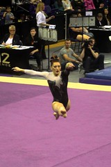 Alex Yacalis floor (3) (Susaluda) Tags: uw sports gold washington university purple huskies gymnastics dawgs