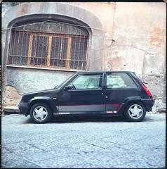 (Renault 5 GT Turbo) (Robbie McIntosh) Tags: color 120 6x6 tlr film car rolleiflex mediumformat square classiccar kodak negative dyi ektar renault5 c41 pellicola selfdevelopment mittelformat moyenformat filmisnotdead medioformato kodakektar rolleiflex28e homedevelopment carlzeissplanar80mmf28 rolleiflex28e2 renault5gtturbo kodakektar100 tetenalcolortecc41 supercinque rolleiflexplanar28e