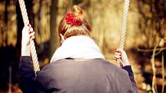 Glcksmomente (carla_hauptmann) Tags: summer sun girl outside happy 50mm spring sommer sony sonne mdchen frhling a77 dutt glcklich schaukel f17 flotter schwanberg drausen rodels