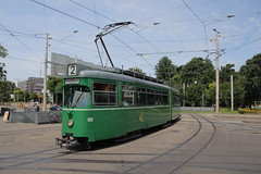 650 (KennyKanal) Tags: tram basel grn bvb basler verkehrsbetriebe dwag schienenfahrzeug drmmli