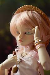 Klaud - Le printemps (Agathe') Tags: pink summer cute hat spring piercing bjd fairyland printemps ete msd poupee pircing mnf klaud rheia